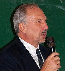 Dr. Ewald Novotny